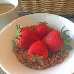 Free hotel breakfast bar tips: Mix something new