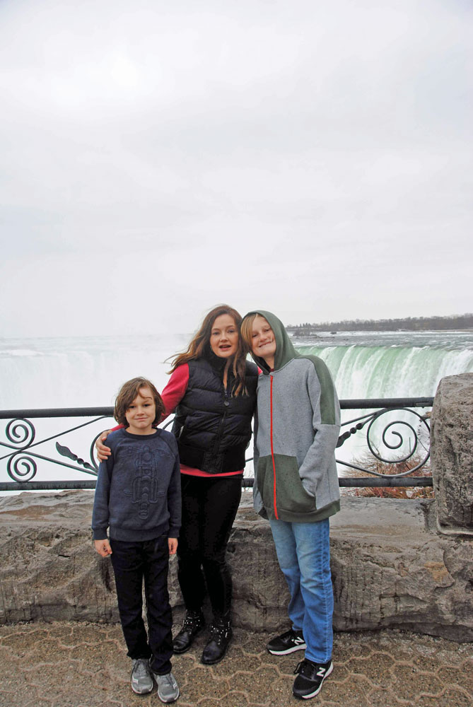 Family on spring break at Niagara Falls